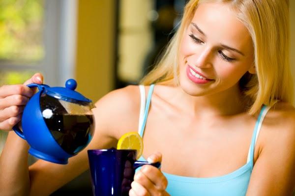 كيف تتخلصي من دهون الأرداف والبطن بهذه المشروبات الطبيعية