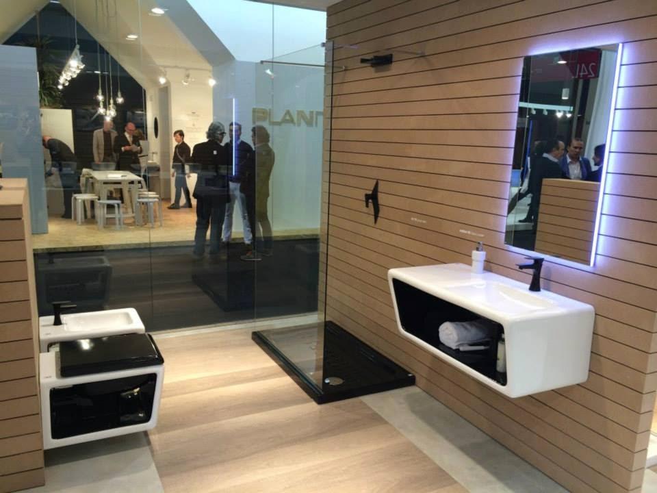 Allestimento fiere foto stand salone del mobile di milano for Stand salone del mobile