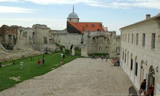 http://fotobabij.blogspot.com/2015/04/janowiec-dziedziniec-wieza.html
