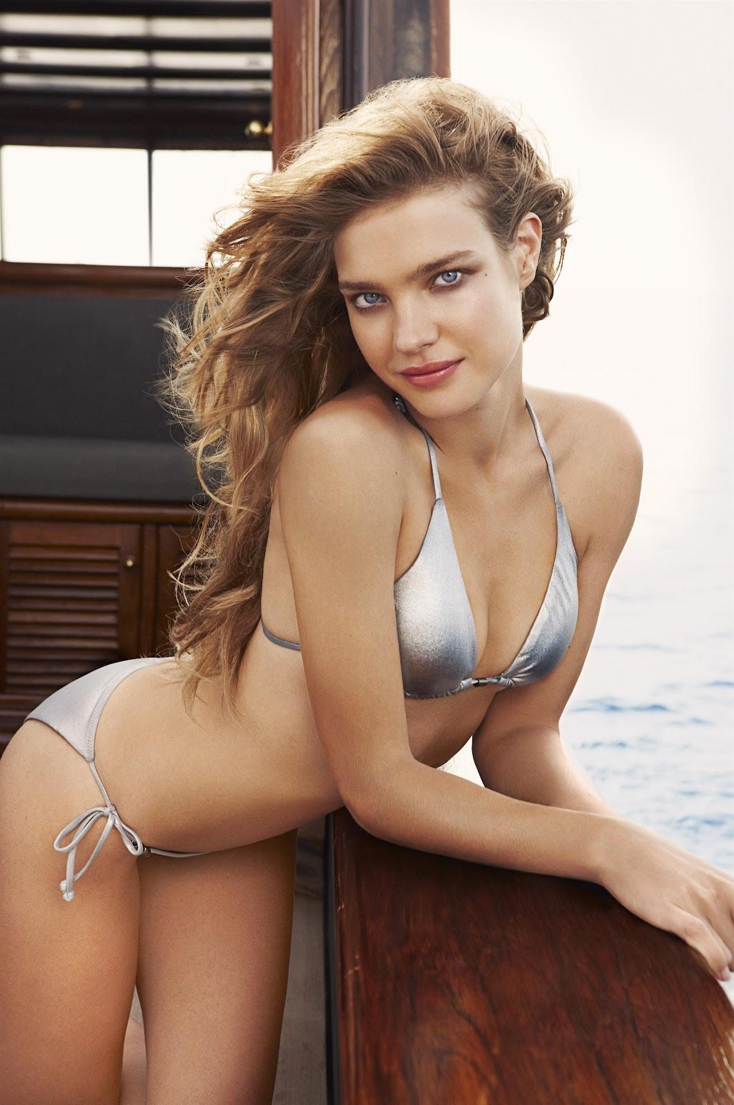 Allwalls: Hot Russian super model Natalia Vodianova