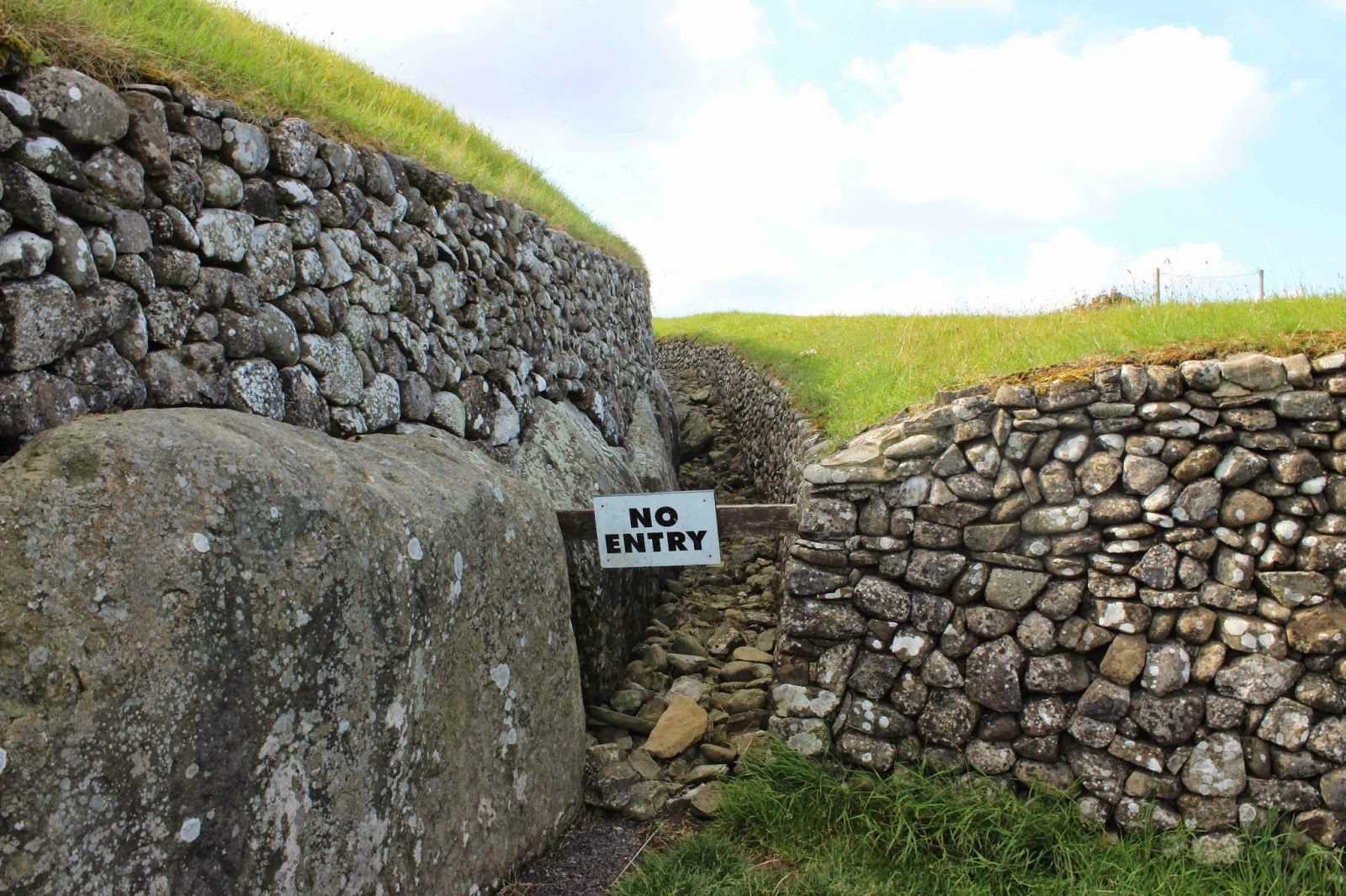 newgrange tomb no entry