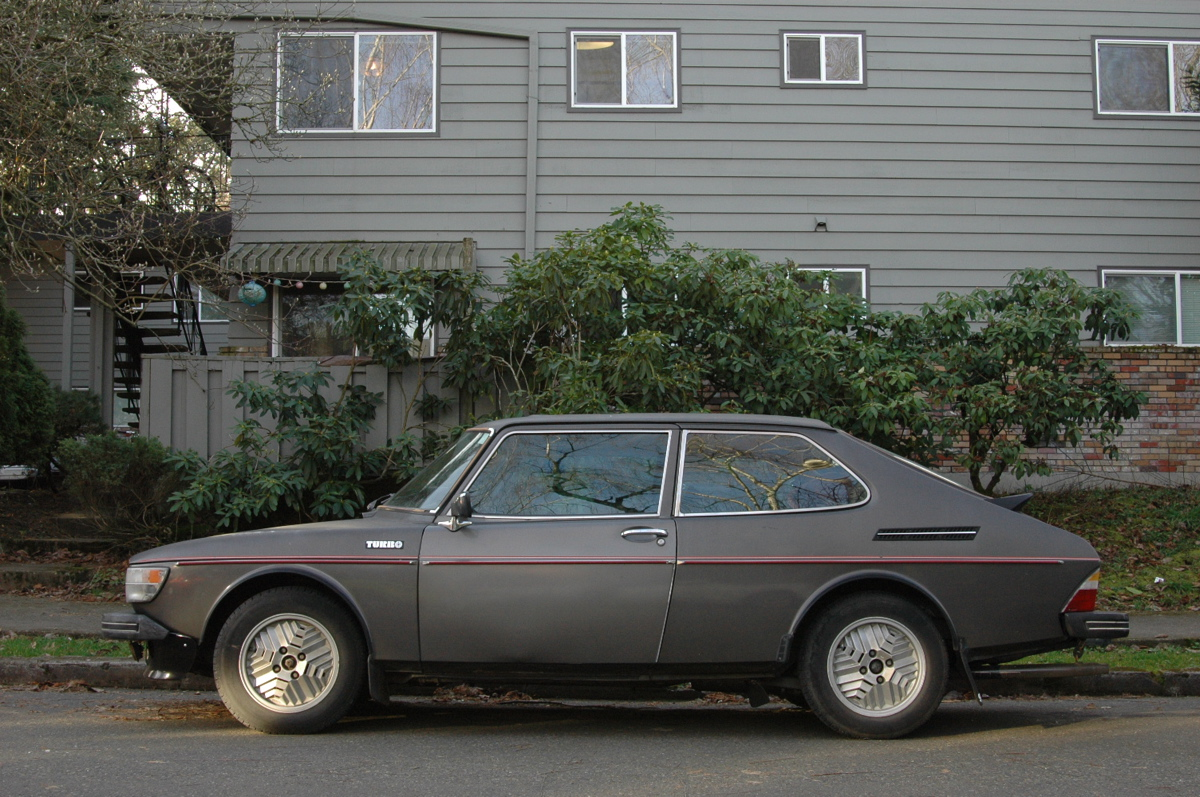 Old parked cars one day two saabs 1978 saab 99 turbo february 9 2012 publicscrutiny Choice Image