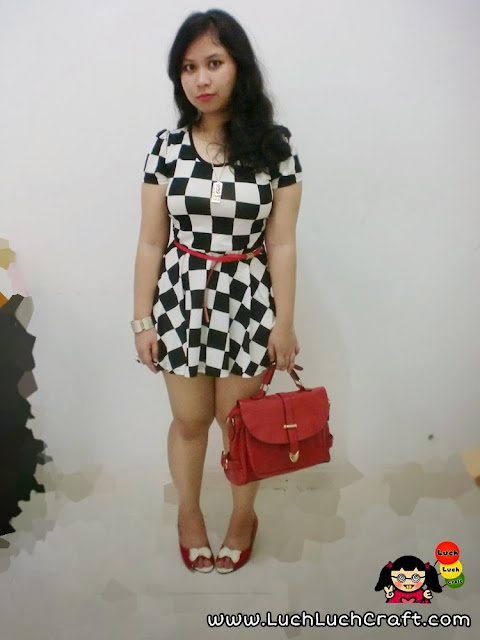 Fashion: The Chess Girl In Red