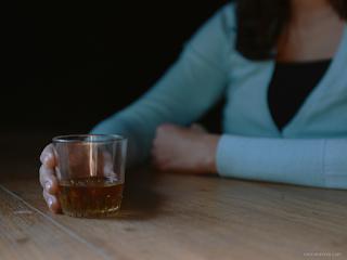 O que é drunkorexia?
