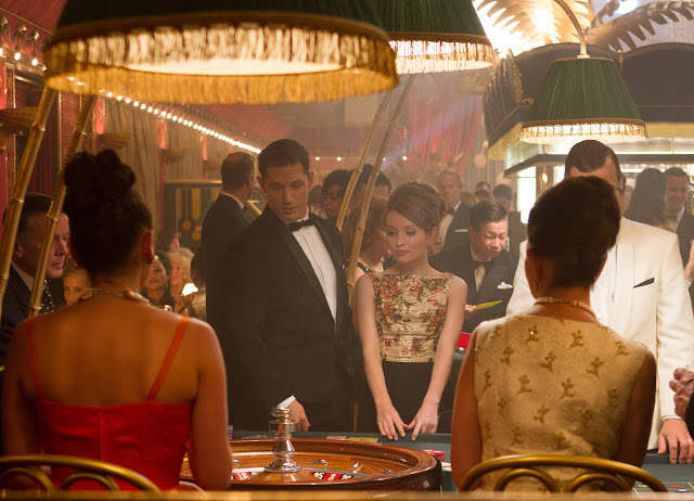 Emily Browning as Frances Shea & Tom Hardy as Reg Kray in Legend