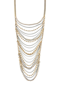 De Mango también puedes escoger entre estos dos collares de cadenas ideales para un vestido liso, los collares largos crean verticalidad y es ideal para