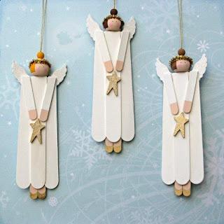 Anjinhos para árvore de natal feitos de palitos de picolé