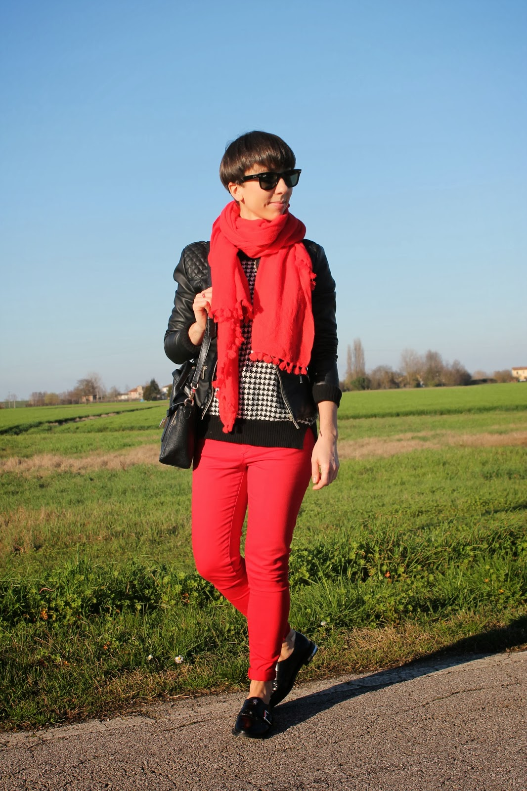 Red and pied de poule