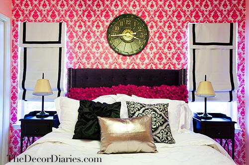 Hot pink damask tempaper wallpaper
