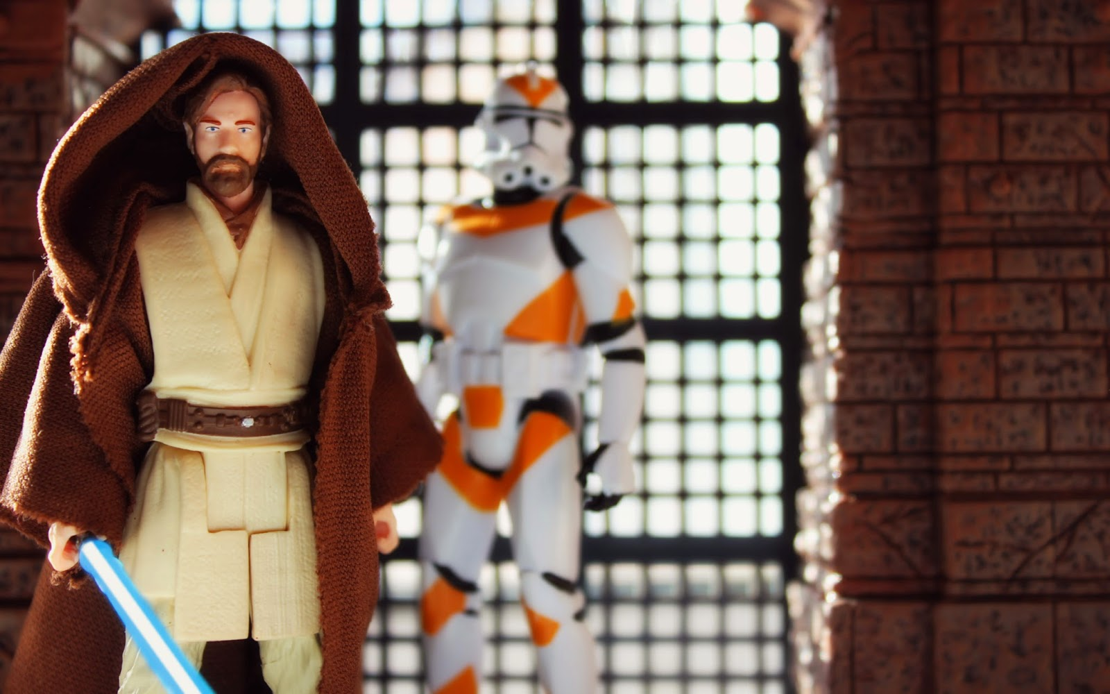 Saga Legends Obi-Wan and a 212th Clone on Guard