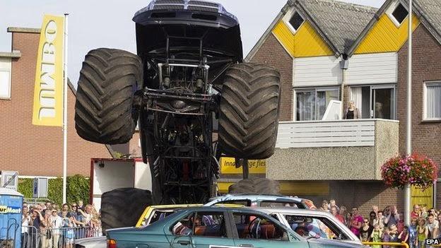 Revolusi Ilmiah - Monster truck di Belanda
