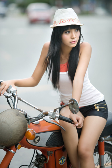 Le Hoang Bao Tran hot photo