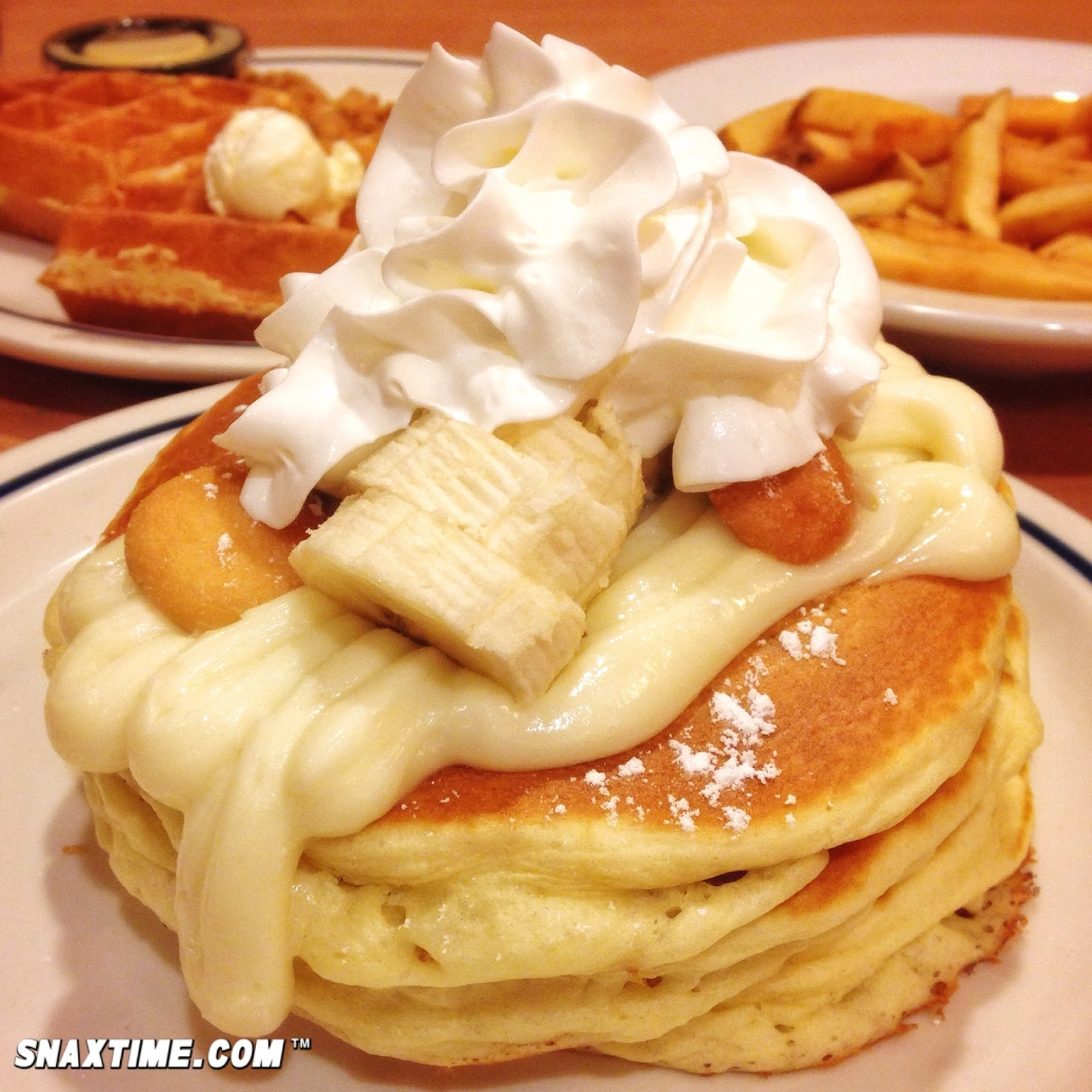 IHOP Banana Pudding Summer Stacks: PANCAKE STAR! | Snaxtime