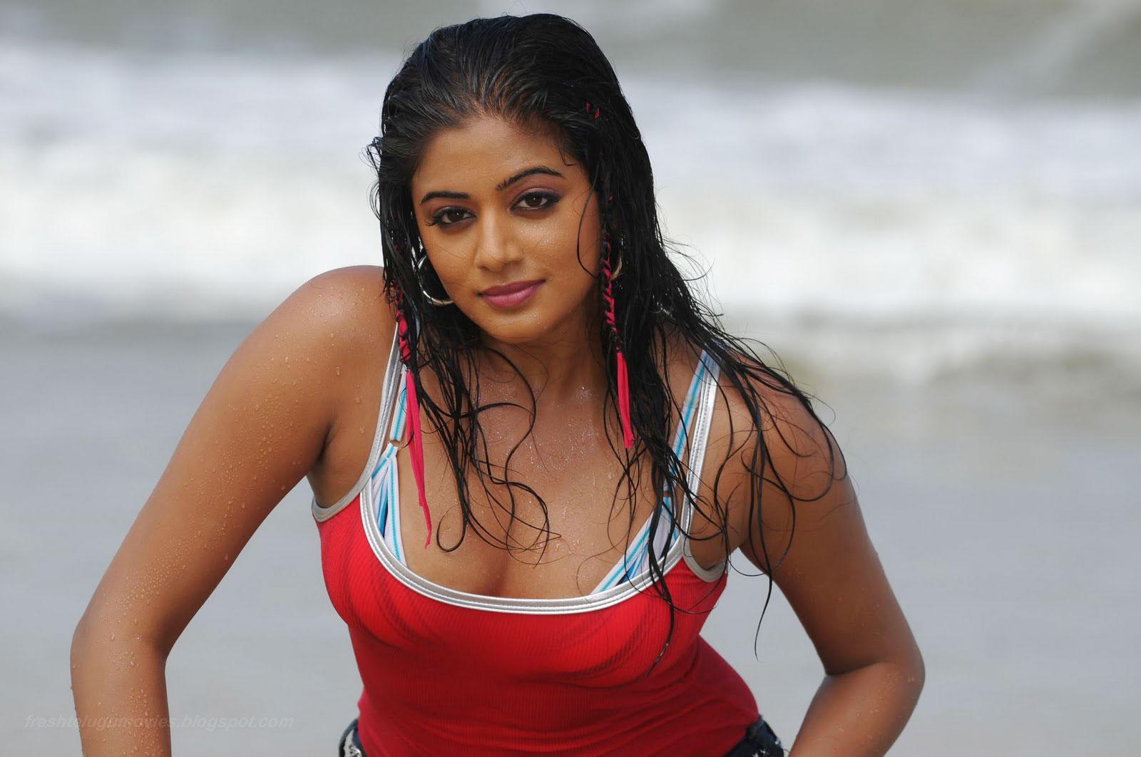 fox-klubz: tamil actress priyamani latest new photoshoot at beach