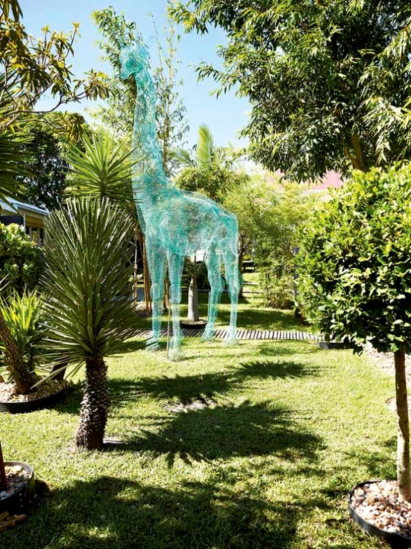 escultura jardin de malla metalica