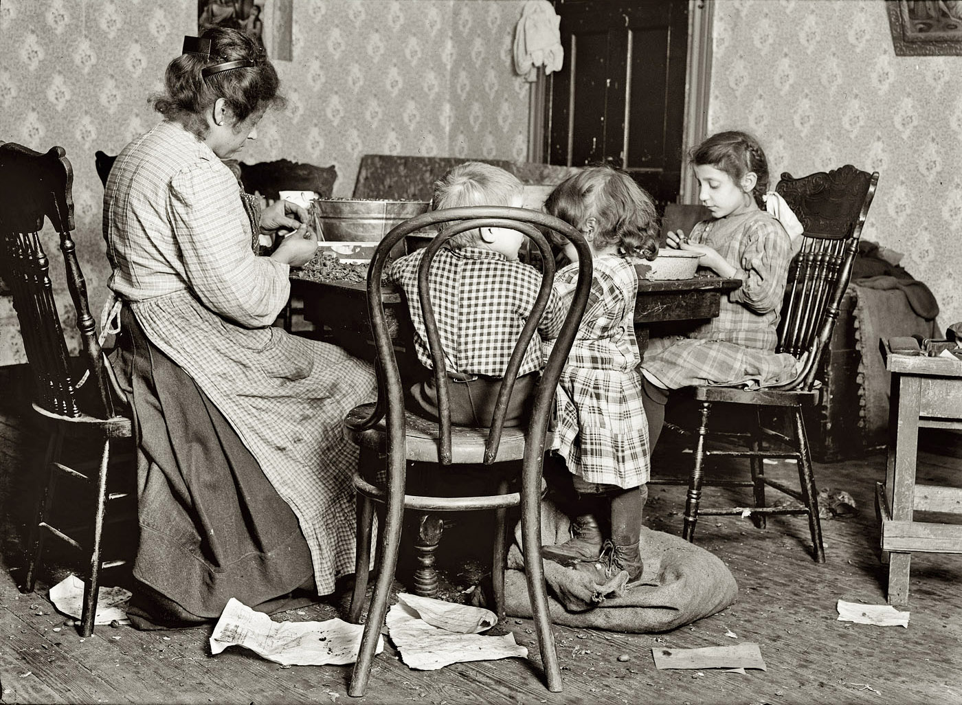 History In Photos Lewis Hine Tenement Workers Ctd