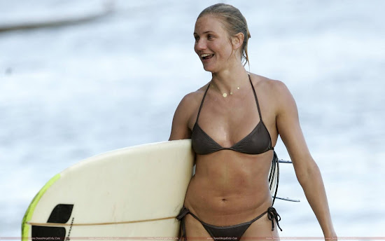 Cameron Diaz swimming