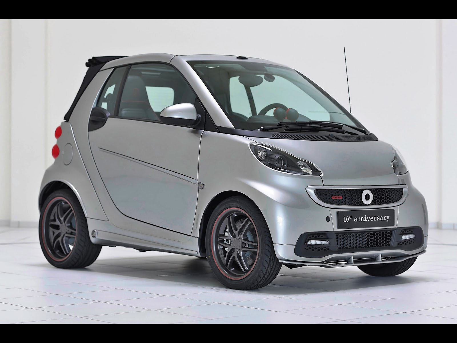 2012 brabus smart 10th anniversary edition news hot car. Black Bedroom Furniture Sets. Home Design Ideas