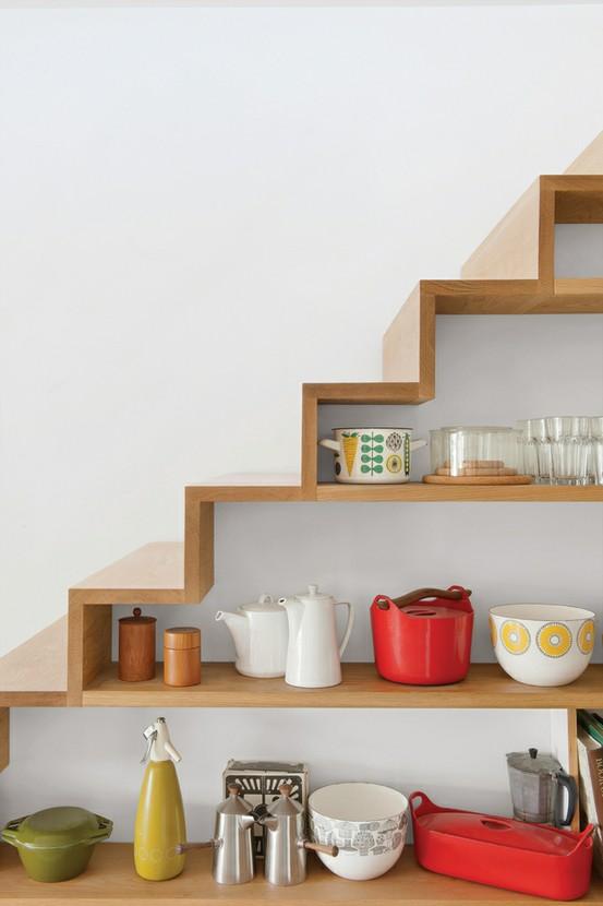 Living in designland escaleras estanteria for Estanteria bajo escalera