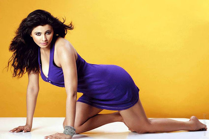 side | introducing daisy shah glamour  images