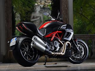 Ducati Diavel Wallpaper