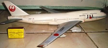 Miniatur Kayu Pesawat JAL Boeing 747