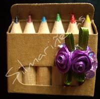 caja pinturas convertida en broche-