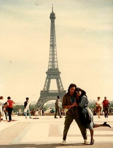 Menara Eifel,  Ikang Fawzi dan Marissa Haque, 1986, Paris, Perancis