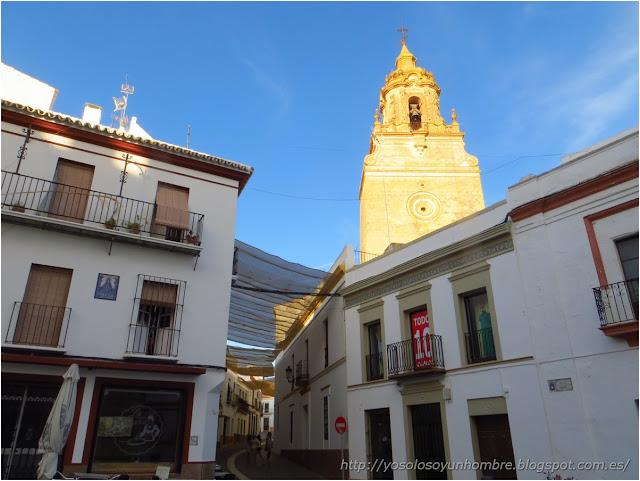Plaza de Palenque y torre de la Iglesia de San Bartolomé