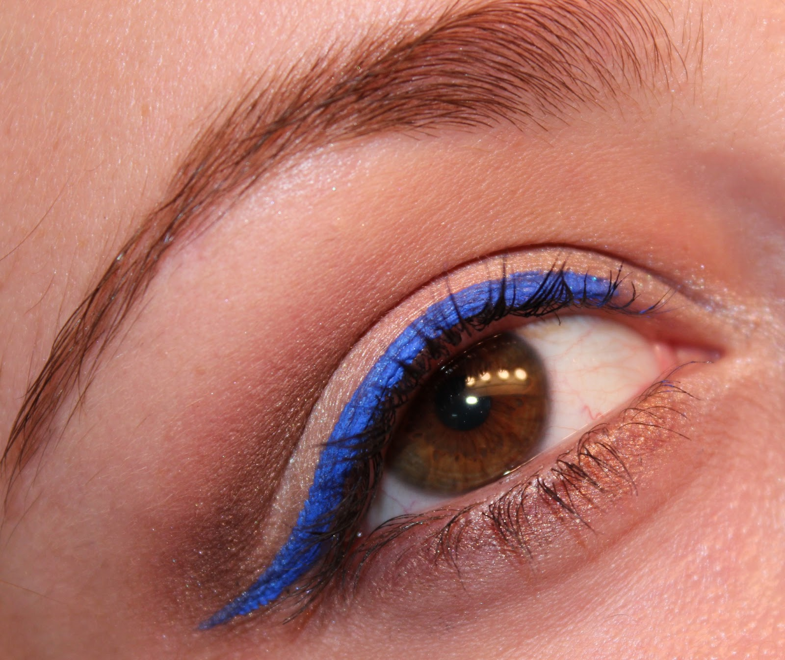 Luhivys Favorite Things Summer Makeup Neutral Eye With Electric