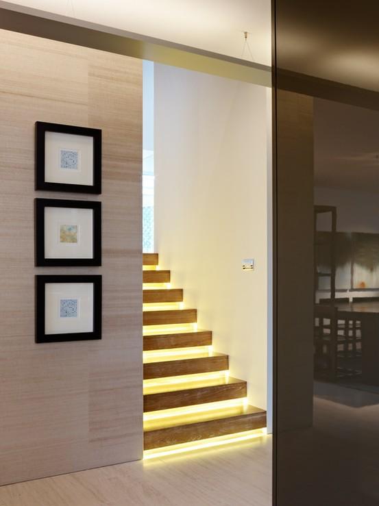 Modernos dise os de escaleras iluminadas ideas para for Iluminacion escaleras interiores