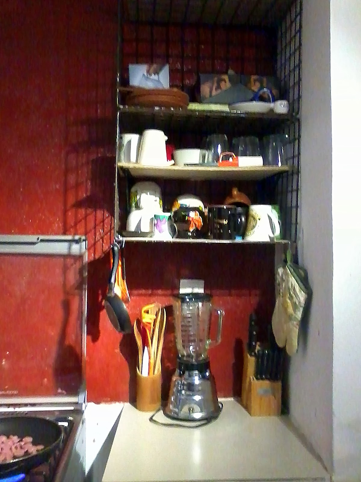 Mi cocina estantes de reuso y decoraci n de barra - Como hacer estantes de cocina ...