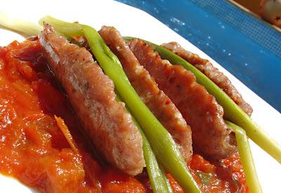 Chorizo criollo con ajos tiernos