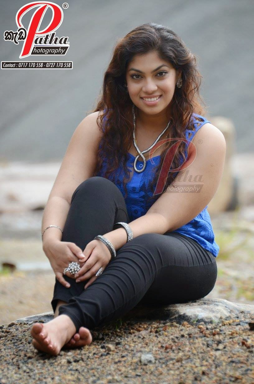 Raini Gunathilake tight jeans