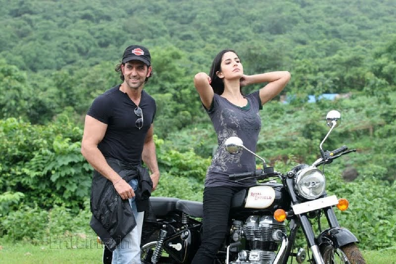 katrina kaif takes rides - photo #16