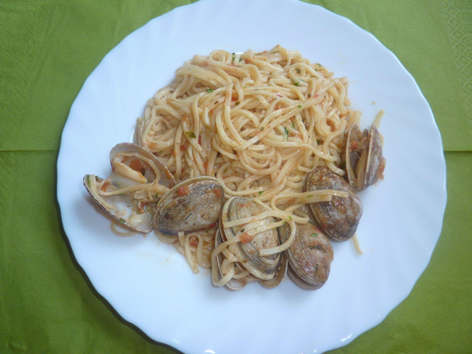 Espaguetis con almejas la cuina de babel - Espaguetis con almejas ...