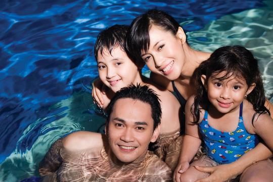 Menjaga Keselamatan Keluarga di Kolam Renang