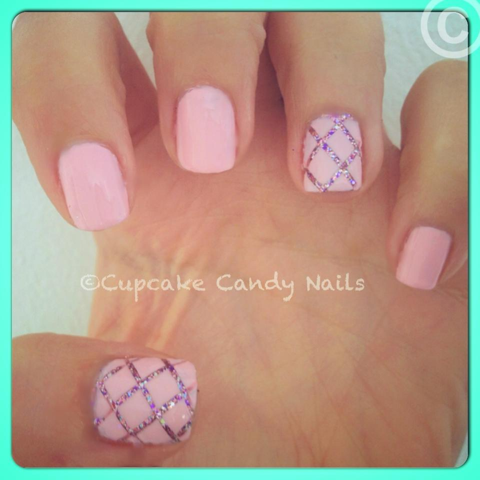 Easy Nail Art: Cupcake Candy Fashion & Nails: Quilted Glitter