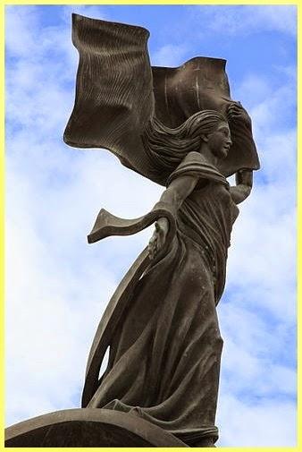 Escultura Independencia Malta