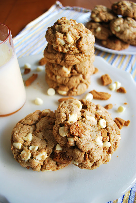 The Capitol Baker: Biscoff and White Chocolate Chip Cookies