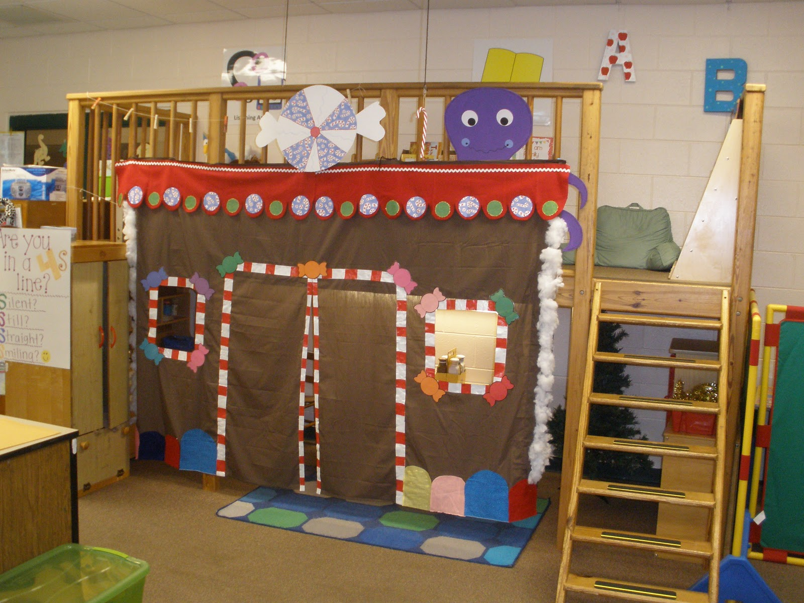 Displaying 19 gt images for gingerbread house door decorations