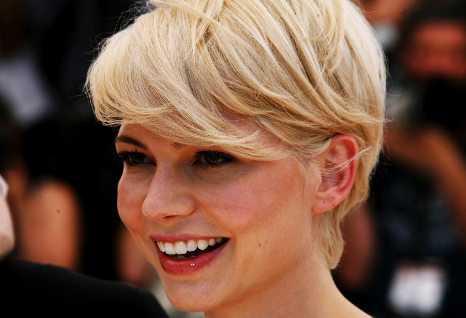 http://2.bp.blogspot.com/-l3Iy0_BEeIY/UAD_w0FLjOI/AAAAAAAAA1E/3iJ0IPYMMps/s1600/Michelle-Williams-Wallpapers-HD-3.jpg