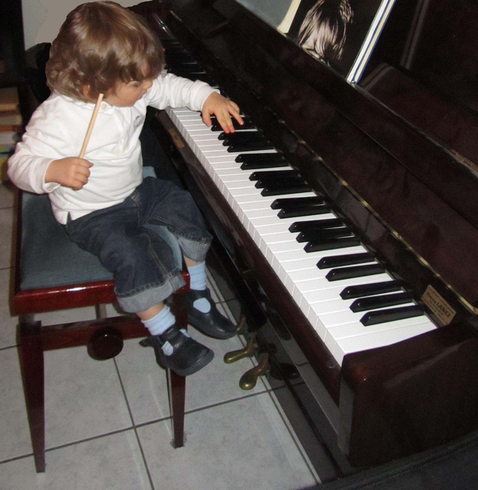 top produits b b en avant la musique avec tap tap piano vtech. Black Bedroom Furniture Sets. Home Design Ideas