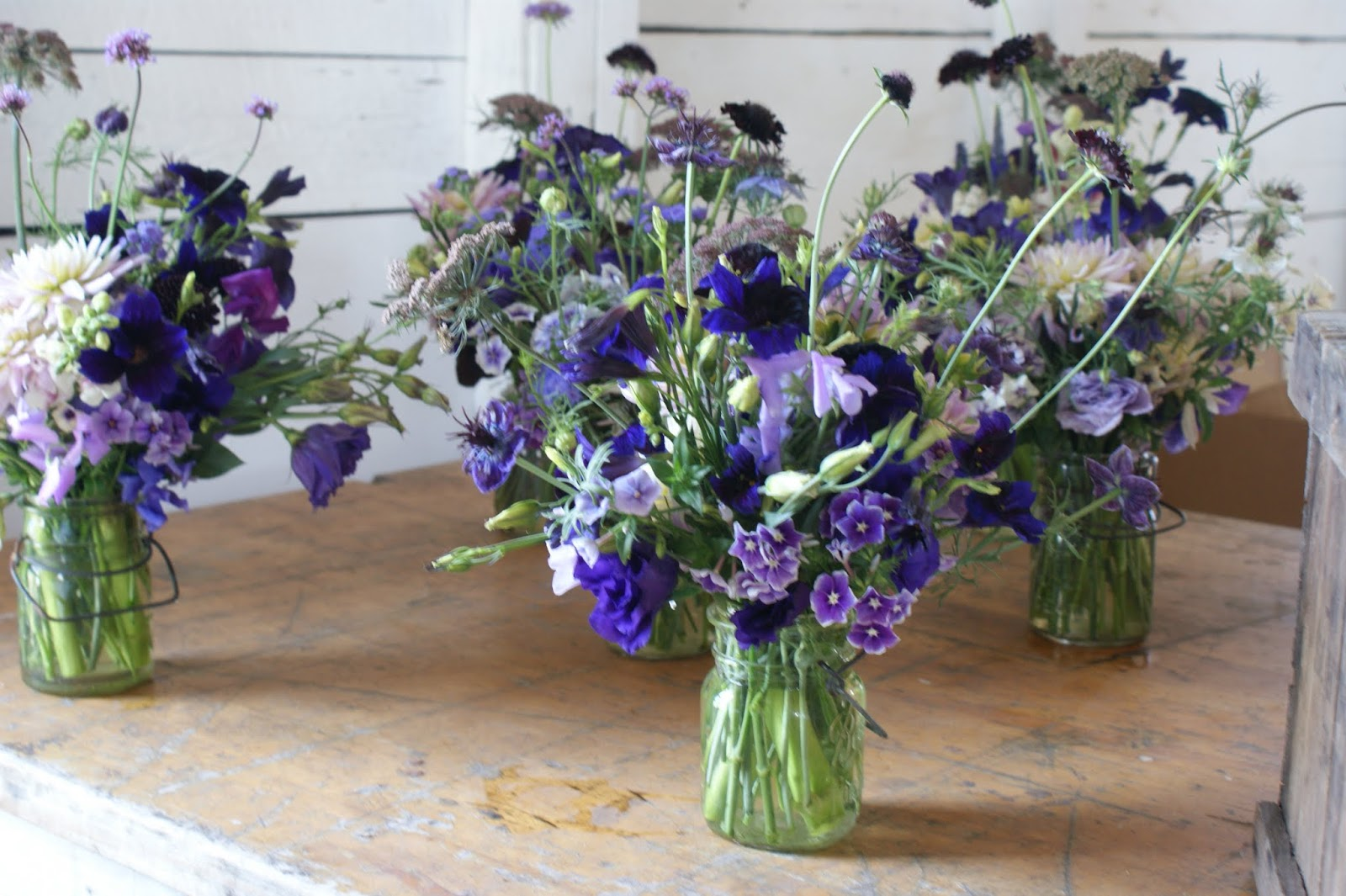 Displaying 16 Images For 50th Wedding Anniversary Flowers