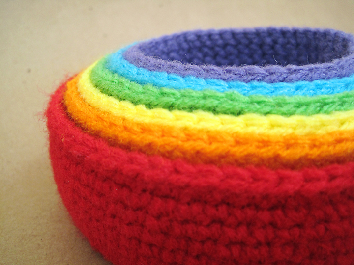 Free Patterns Crochet Baskets Bowls : Seriously Daisies: Crochet Pattern: Rainbow Nesting Bowls