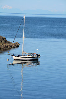 photo of a sailboat in the San Juan Islands by Nancy Zavada