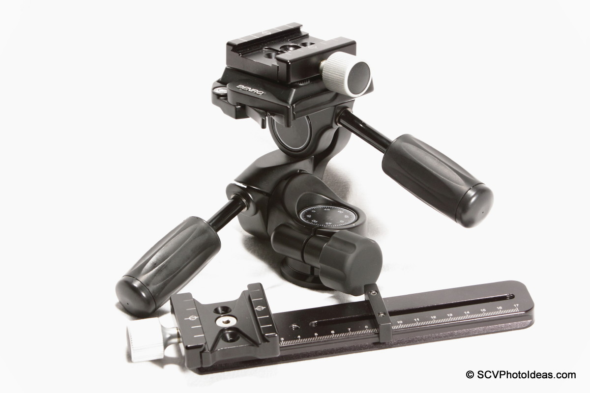 Hejnar Photo F62a clamp on E032 Nodal w/ Benro HD-38 aside