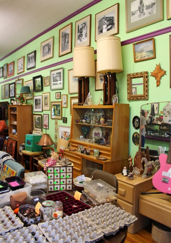 Treasure Hunting in Antique Store #vintage #antique #shopping