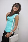 Vithika Sheru Glamorous Photo Shoot Gallery-thumbnail-5
