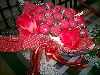 love hand bouquet
